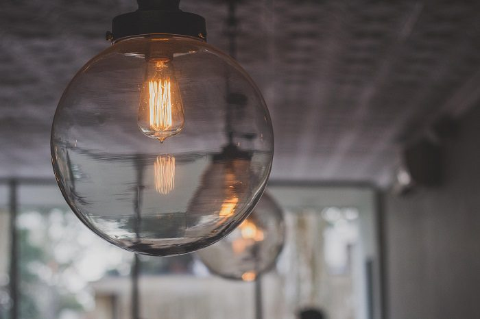 4 Easy ways to save money on electricity bills in 2020